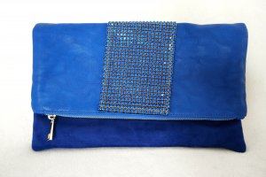 Tolle (Umhänge- oder Clutch) Tasche in blau mit Strass und goldener, abnehmbarer Trägerkette  NEU