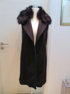 Tolle Weste, Mantel, Jacke von Zara in schwarz in M mit Fake Fur