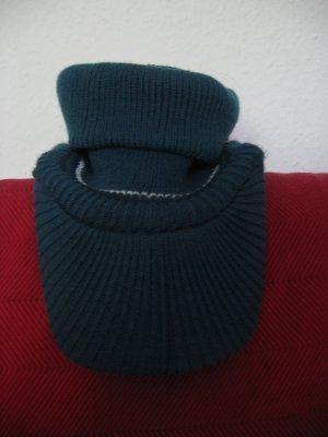 Chapeau en tricot bleu