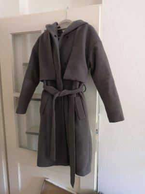 tolle Winterjacke /Mantel in grau mit Kapuze