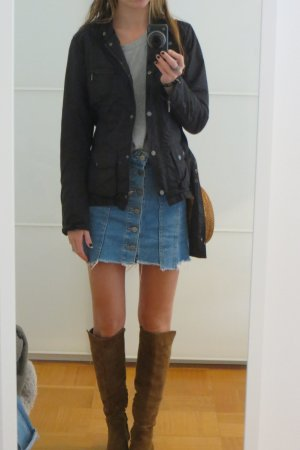 Tolle Zara Frühjahr oder Herbst-Uebergangsjacke mit Guertel