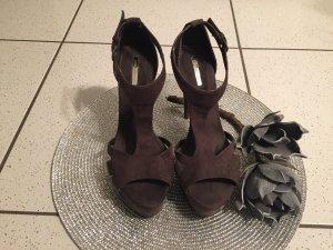 Tolle ZARA Riemchen Sandaletten Größe 39