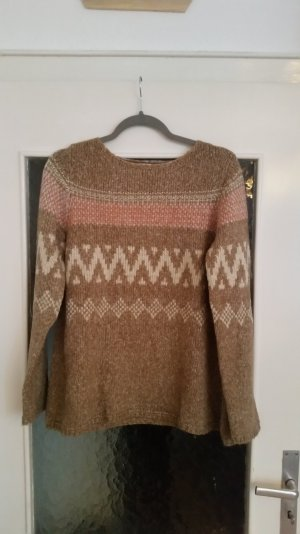Toller, beiger Strickpullover von Zara mit schönem Muster. Leicht ausgestellt.