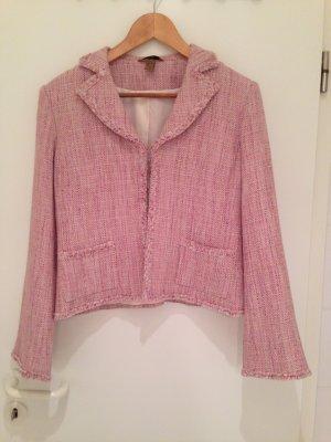 Toller Bouclé-Blazer im Chanel-Stil in rosé von H&M in Größe 38