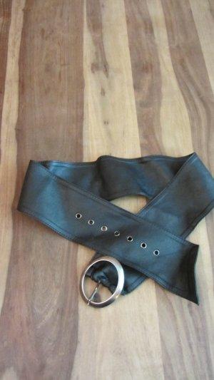 Toller breiter Gürtel mit aufwendiger Schnalle in schwarz von Orsay – Gr. 90