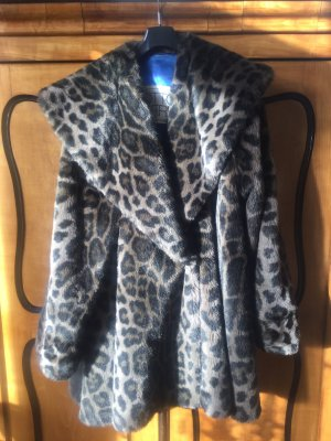Toller Fake Fur Mantel, Faux Fur, Wintermantel, Fellmantel, von Otto Kern Gr.44/46