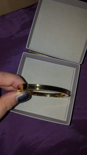 Toller Fossil Armreif in gold
