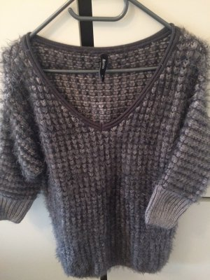 Toller grauer Pullover