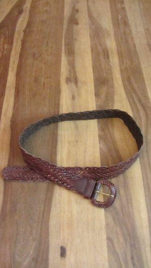 Toller Gürtel aus geflochtenem Leder, braun, von Orsay – Gr. 95