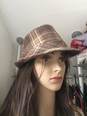 Cappello marrone-arancione