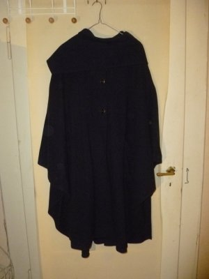 Avoca Cape dark blue wool
