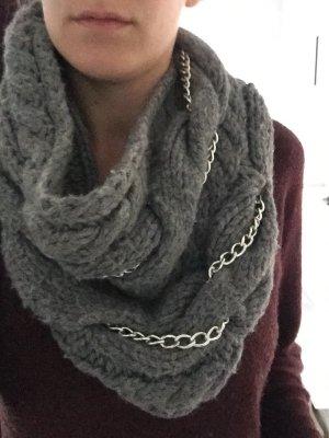 Toller Loop Schal von Esprit! grau mit silber Kette