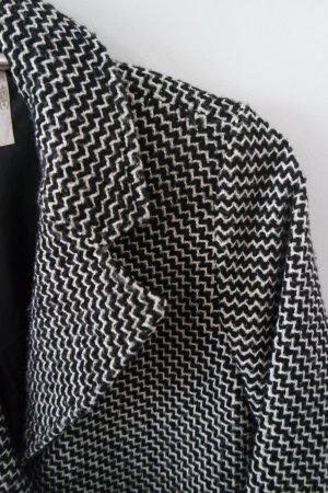 Toller Mantel mit schwarz-weißem Muster