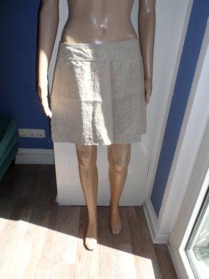 Toller naturfarbener Mini-Wickelrock aus Leinen