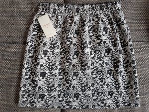C&A Balloon Skirt white-black