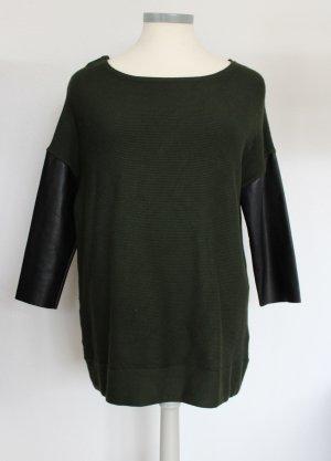 toller Pullover mit Kunstlederärmel von ZARA