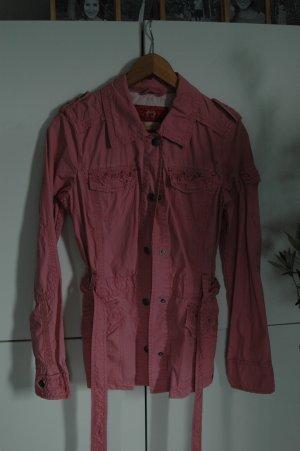Toller rosa Übergangsmantel mit Gürtel und tollen Details von Esprit S