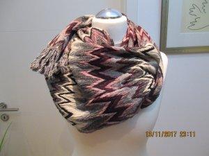 Toller Schal im Missoni Style aus Italien  92% Wolle, 8% Spandex  von Marina D Este. Italy