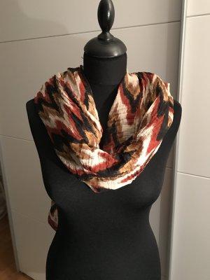 Toller Schal in den Herbstfarben