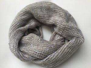 Toller Schal mit Pailletten