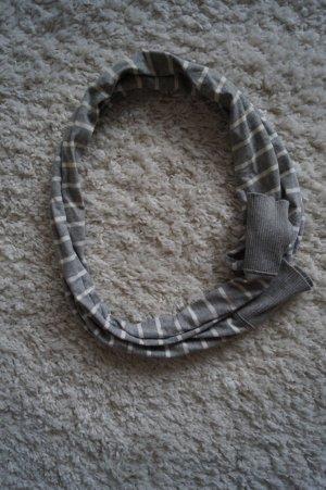 Toller Schal mit Streifen grau weiß