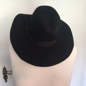 Toller, schwarzer Hut