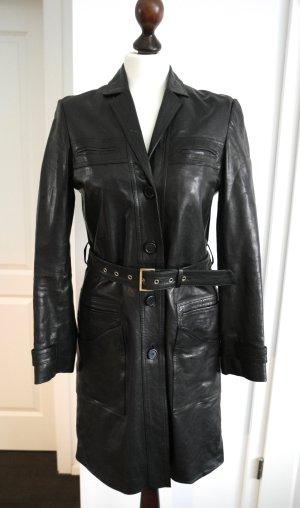 Toller, schwarzer Mantel aus Lammleder von Hugo Boss