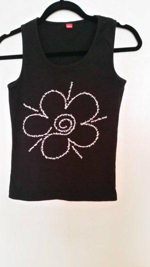 toller schwarzer T-Shirt von s.Oliver; alleine oder zudritt