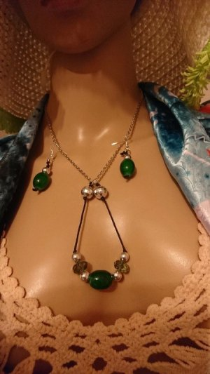 Colliers ras du cou argenté-vert olive bronze
