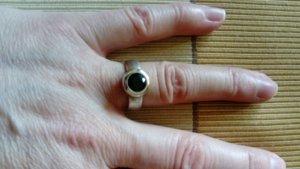 Toller Silberring mit grünem Stein
