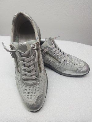Toller Sneaker von Kennel und Schmenger