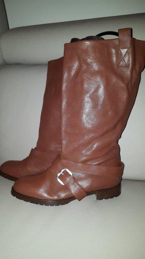 Toller Stiefel der variabel getragen werden kann