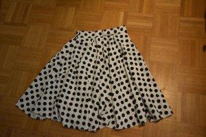 Falda circular negro-blanco