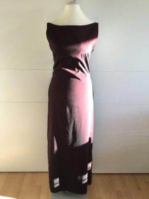 Tolles Abendkleid mit außergewöhnlichem, großen Rückenausschnitt