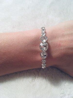Tolles Armband mit 9 Swarovski-Kristallen in Herzform