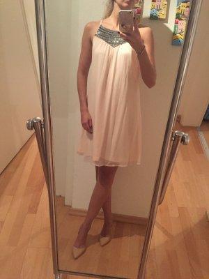 Tolles besticktes Kleid