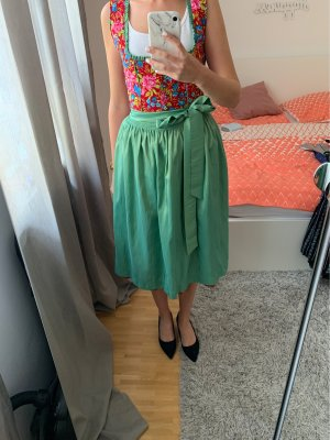 Dirndl red-lime-green