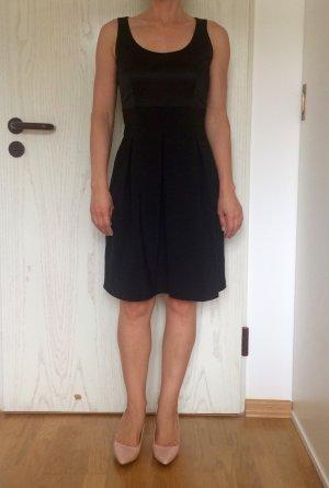 Tolles Cocktail Kleid von Esprit / Das Kleine Schwarze