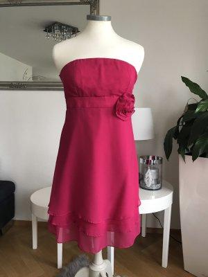 Robe de cocktail magenta