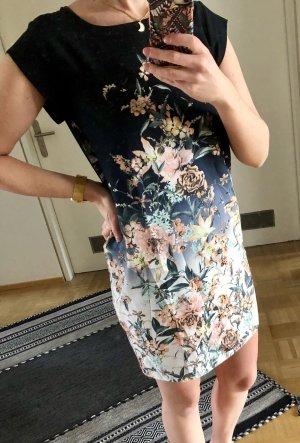 Tolles fließendes Kleid von Apricot