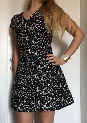 Tolles gemustert Kleid von ZARA