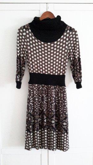 Tolles gemustertes Kleid von Ana Alcazar