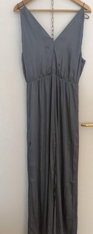 Tolles graublaues Kleid aus fließendem Stoff. NEU
