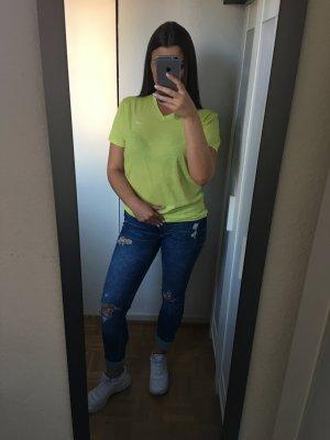 Tolles grünes hollister Shirt mit V Ausschnitt