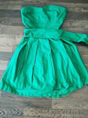 Tolles gruenes Sommerkleid