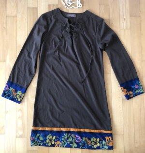 Tolles Kleid der spanischen Designer Tonala - Modern, Schick, Feminin Dress 89€