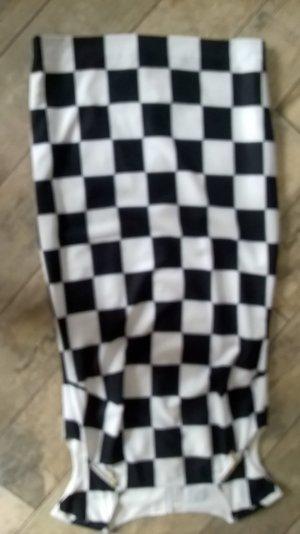 tolles Kleid im Schachbrettdesign