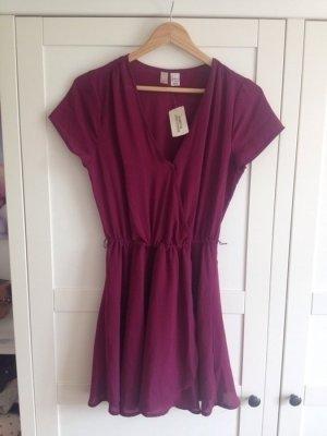 Tolles Kleid in Bordeaux