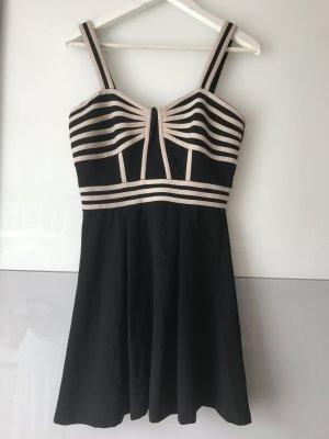 Tolles Kleid in schwarz in Größe S