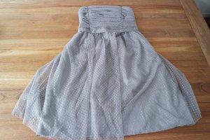 Tolles Kleid in silbergrau von Vila mit schwarzem Bolero